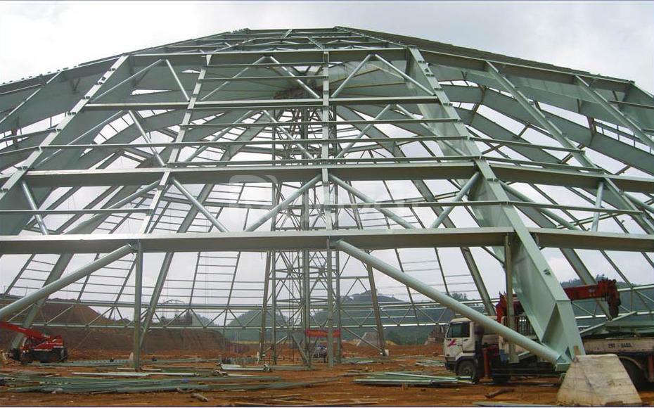 Lắp dựng nhà xuởng khung thép tiền chế long khánh