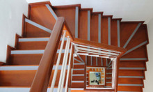 Dải băng chống trơn trượt cho cầu thang, nền nhà