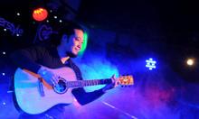 Học đàn guitar phố khương hạ mới