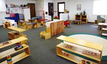Tuyển quản lý trường Mầm non Montessori