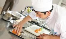 Cần tuyến bếp chính, bếp phụ, phục vụ, thu ngân