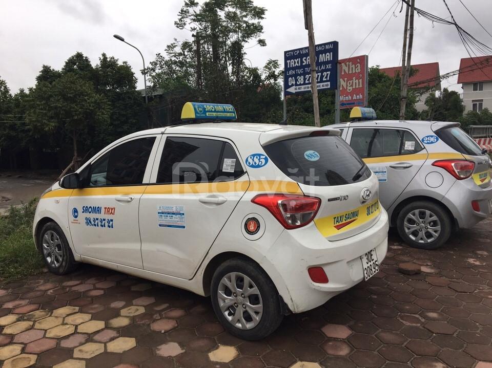 Người trực tổng đài điện thoại taxi