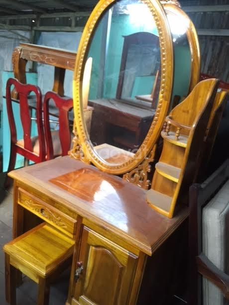 BÁN RẺ bàn trang điểm, làm đẹp, gỗ tốt, giá 2tr2