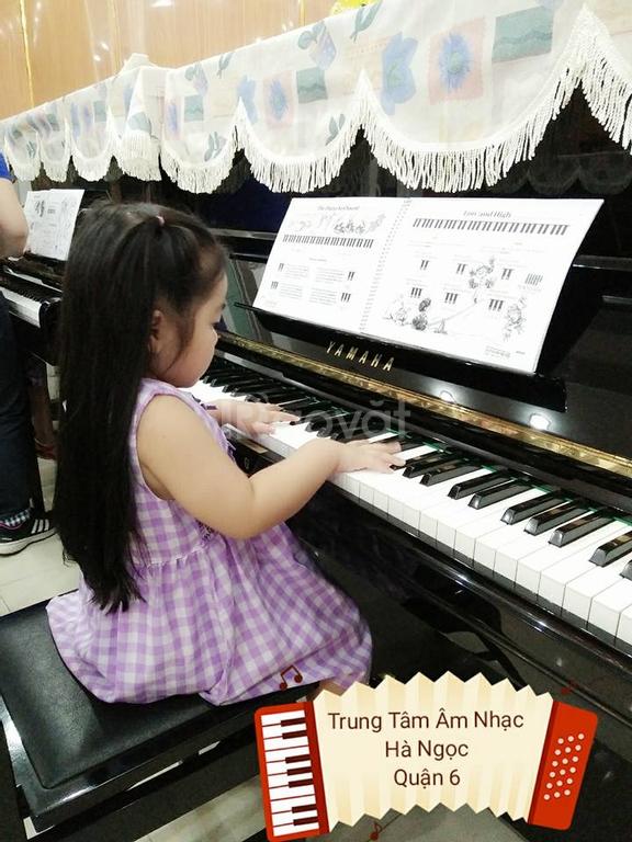 Tuyển sinh piano, guitar, thanh nhạc, vẽ
