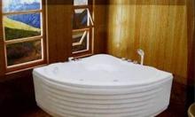 Bồn tắm góc khuyến mãi giảm giá mạnh trong tháng
