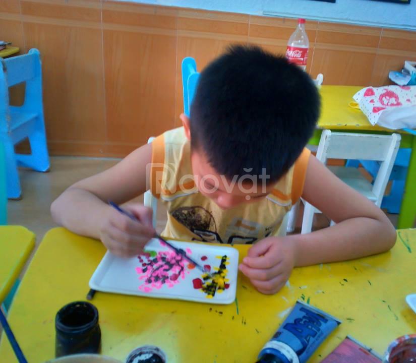 Lớp học vẽ nghệ thuật cho thanh thiếu nhi
