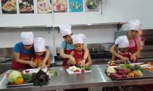 Tìm địa chỉ cho trẻ học nấu ăn?