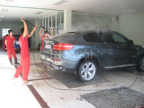 Tuyển thợ chuyên chăm sóc xe hơi
