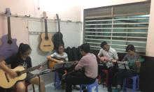 Lớp học đàn guitar đệm hát cơ bản rẻ ở tphcm