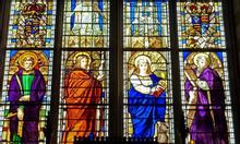 Tranh kính nghệ thuật trong trang trí nhà thờ