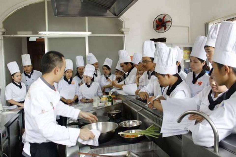 Cấp bằng cao đẳng chính quy nấu ăn