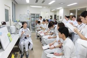 Có nên học ngành Điều dưỡng - Học điều dưỡng ở đâu tốt tại Hà Nội?