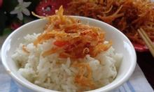 Khô gà lá chanh kết hợp với các món ăn