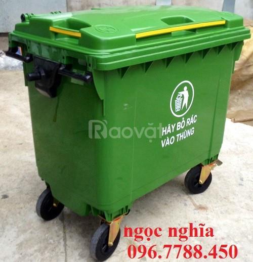 Thùng rác nhựa 660 lít có 4 bánh xe giá rẻ (ảnh 1)