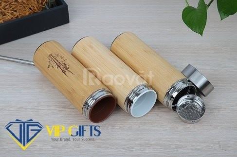 Bình giữ nhiệt bằng tre (www.quatangvip.vn)