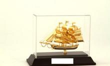 Chuyên bán mô hình thuyền buồm bằng đồng mạ vàng năm 2018