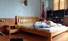Giường ngủ gỗ cao su tự nhiên đẹp 1.8m