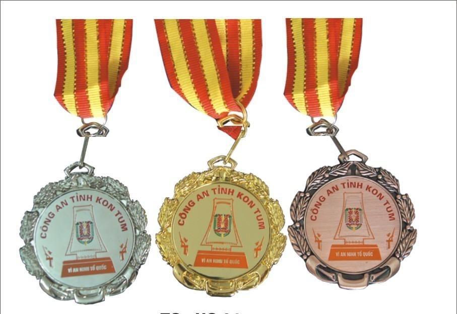Huy chương quà tặng doanh nghiệp (quatangdoanhnghiep.vn)