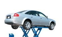 Cầu nâng cắt kéo nâng bụng xe