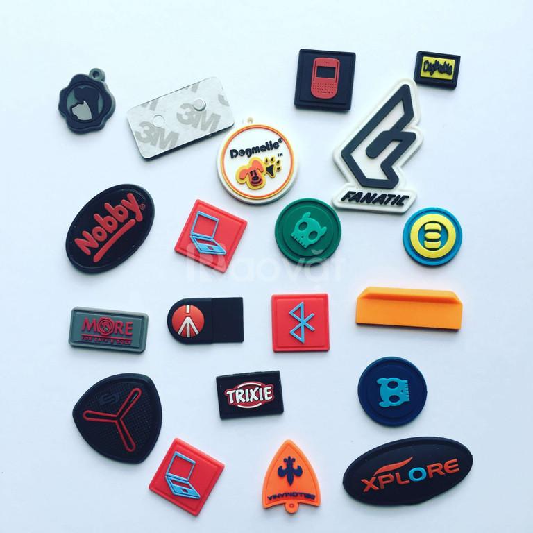 Sản xuất nhãn may nhựa dẻo, logo cao su/pvc/silicon đổ nổi giá rẻ