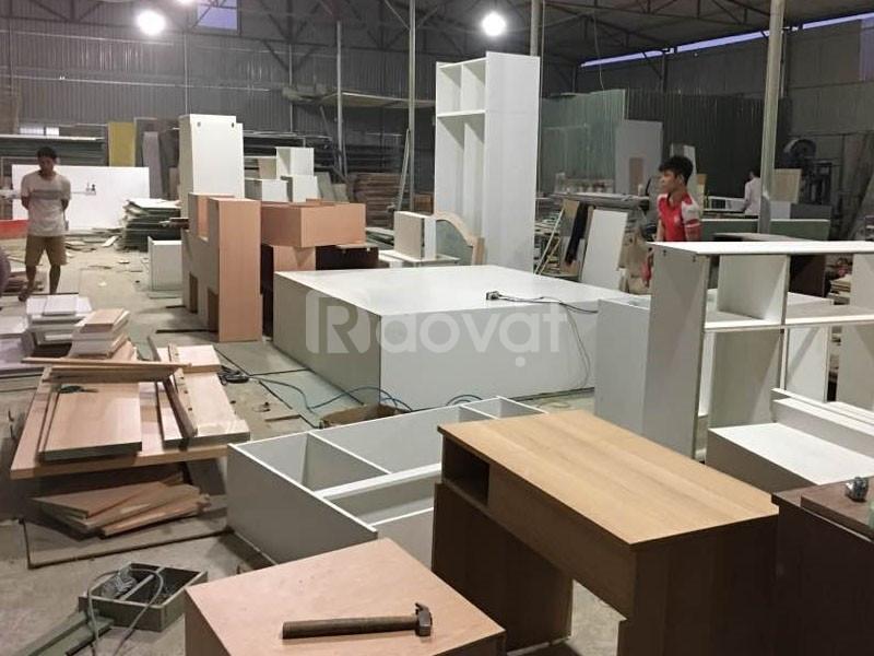 Sửa chữa đồ gỗ quận 5, giường, tủ, bàn ghế, kệ tủ bếp, cầu thang, cửa