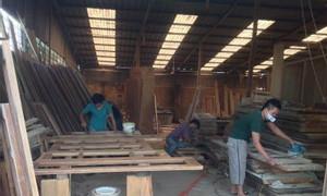Thợ sơn PU đồ gỗ, thợ sửa chữa đồ gỗ tại quận 10, HCM