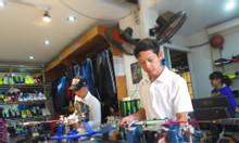 Căng vợt cầu lông tại Định Công, Lê Trọng Tấn, Hoàng Mai, HN