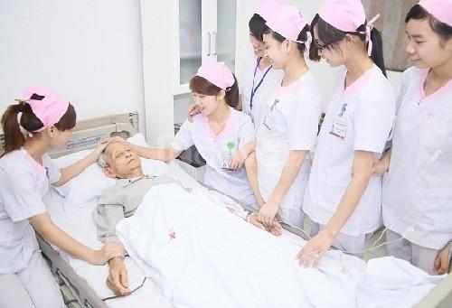 Cao đẳng điều dưỡng học ngoài giờ hành chính tại Hà Nội