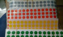 Decal tem tròn các màu và kích thước đa dạng