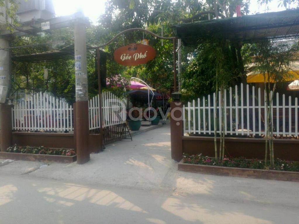 Cần tuyển nhân viên phục vụ quán cà phê sân vườn quận 12