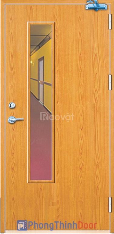 Cửa gỗ chống cháy, cửa thoát hiểm giá tốt tại TPHCM
