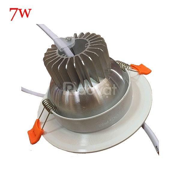 Đèn led âm trần có tản nhiệt viền vàng công suất 7W (ảnh 5)