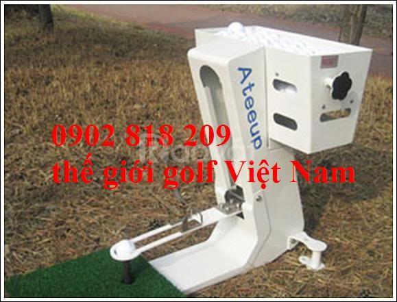 Máy phát banh golf tự động, máy đặt bóng golf lên tee tự động