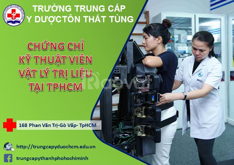 Kỹ thuật viên vật lý trị liệu học ngắn hạn tại TPHCM
