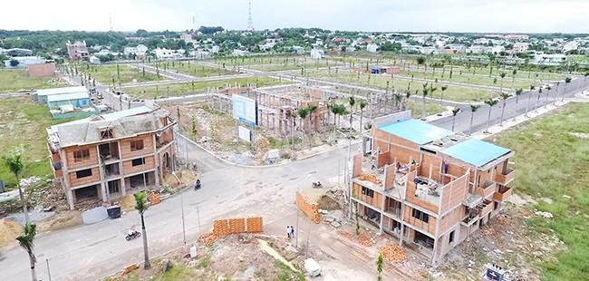 Gia đình kẹt tiền, cần bán lại lô đất ngay KCN Mỹ Phước, giá chỉ 650tr
