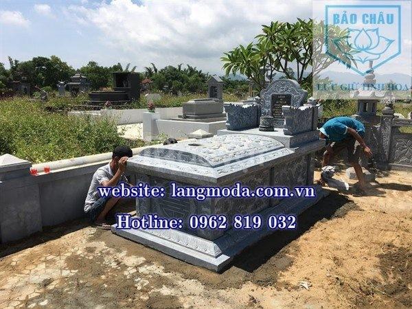 Khu lăng mộ đá xanh tại Hà Tĩnh