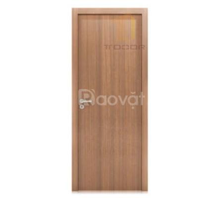 Cửa gỗ công nghiệp Laminate cao cấp, nhập khẩu cho phòng ngủ TPHCM