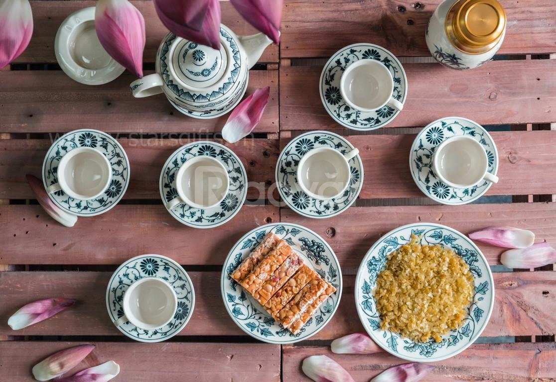 Bộ trà gốm Chu Đậu - Thơm ngát trà sen