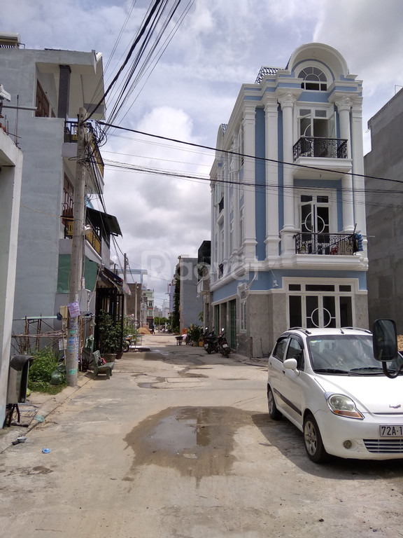 Bán nền đất hẻm 488 Lã Xuân Oai nằm cạnh trường THPT Long Trường, Q9 (ảnh 1)
