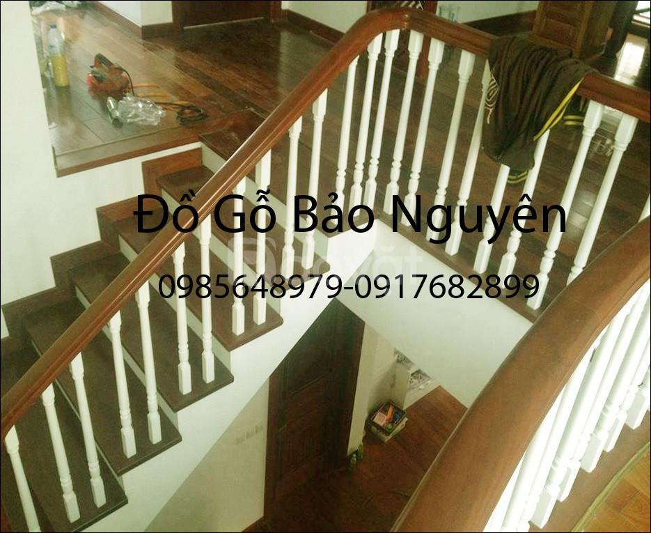Bán tay vịn mặt bậc cầu thang gỗ lim (ảnh 6)