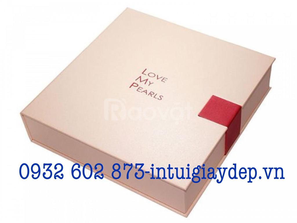 In hộp giấy đựng quà tết, hộp giấy đựng quà tết