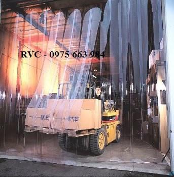 Lợi ích khi sử dụng màng nhựa PVC dẻo gía rẻ trong xây dựng, kho xưởng