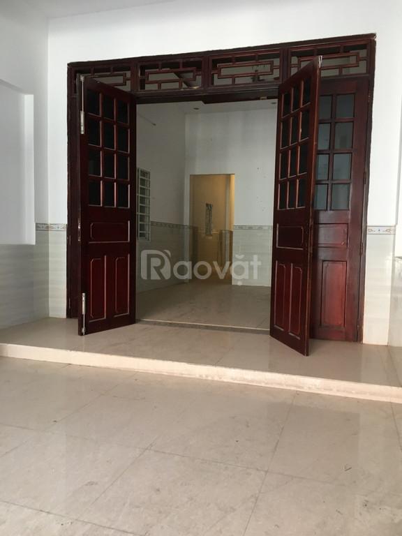 Bán nhà giá rẻ mặt tiền Thạnh Xuân Q12, thổ cư 100m2, SHR (ảnh 1)