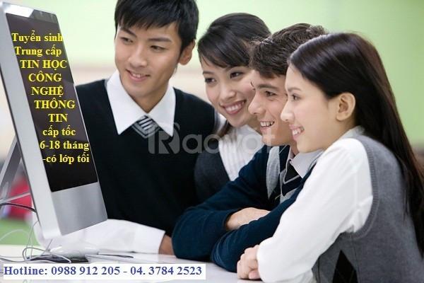 Mở lớp học Trung cấp Công nghệ thông tin cấp tốc có nhanh bằng