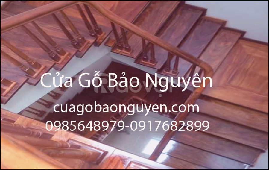 Thanh lý mẫu cầu thang gỗ lim tại Vạn Phúc Hà Đông
