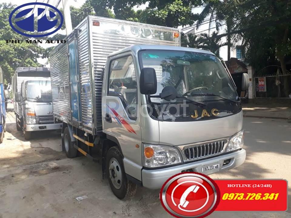 Xe tải nhẹ JAC 2t4 thùng dài 3m7 động cơ Isuzu (ảnh 1)
