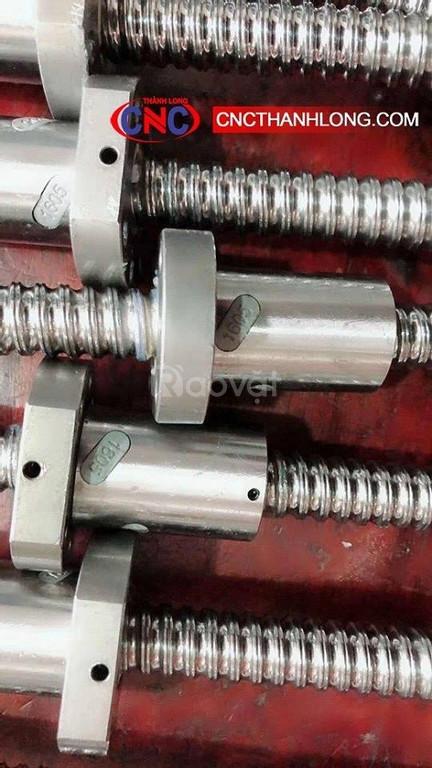 Vịt me và đai ốc, máy CNC đục gỗ