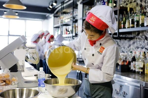 Dạy làm bánh á âu - địa chỉ học làm bánh uy tín chuyên nghiệp TPHCM