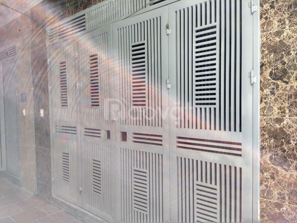 Bán nhà cách Ngã Tư Sở 1km, ô tô vào, kinh doanh sầm uất (ảnh 1)