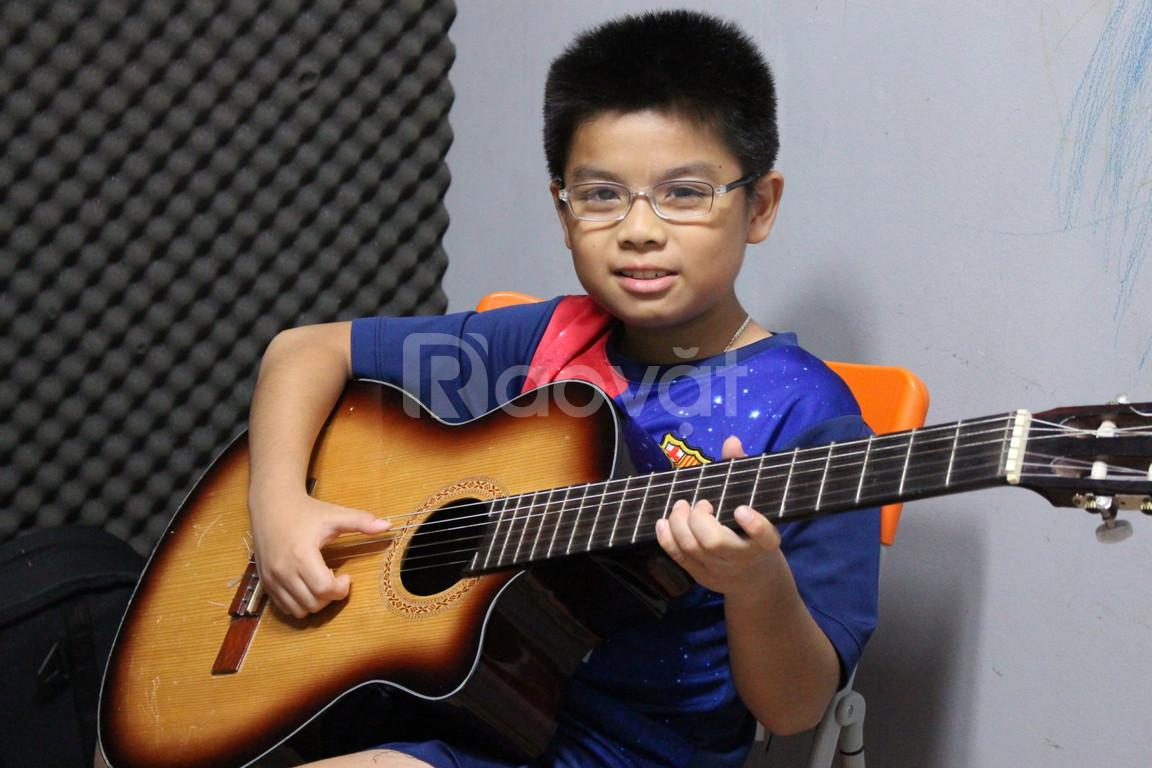 Lớp học đàn Guitar quận 7 - Musical Ý Nguyễn